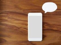 Smartphone, bulle de pensée, commande de voix Images stock