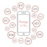 Smartphone con diversos mensajes en burbujas del discurso Fotos de archivo libres de regalías