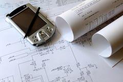 Smartphone con lo schema circuitale Fotografia Stock