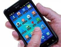Smartphone con los iconos sociales de la red Fotos de archivo