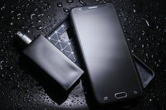 Smartphone con un caso protettivo fotografia stock libera da diritti