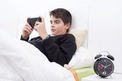 Smartphone del niño Imagenes de archivo