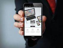 smartphone dell'uomo d'affari del wedesign Immagini Stock Libere da Diritti