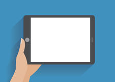 Smartphone della tenuta della mano con lo schermo in bianco Immagine Stock Libera da Diritti