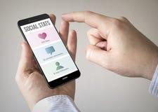 smartphone dello schermo attivabile al tatto con lo stats del sociale sullo schermo Fotografie Stock