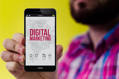 Smartphone do moderno com mercado digital na tela Foto de Stock Royalty Free