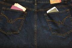 Smartphone en el bolsillo imagen de archivo