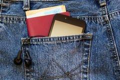 Smartphone en el bolsillo fotografía de archivo libre de regalías