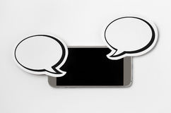 Smartphone et 2 bulles de la parole Photo libre de droits