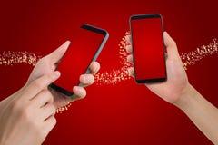 Smartphone humano del control y del tacto de la mano, tableta, teléfono celular con el bl Imagenes de archivo
