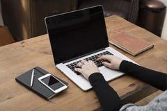 Smartphone, laptopu mockup/ obraz stock