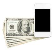 Smartphone lying on the beach na banknotach Stany Zjednoczone, odizolowywających na wh Fotografia Stock