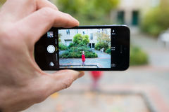 Smartphone med fotoet Royaltyfri Foto
