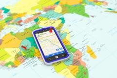 Smartphone med GPS navigering Arkivbild