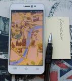 Smartphone met een kaart van Londen Stock Foto
