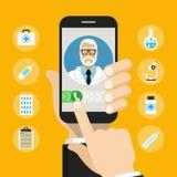 Smartphone met mannelijke arts op vraag en een online overleg royalty-vrije stock afbeelding