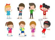 Smartphone nałóg, dzieciaki z smartphone, dzieci z wiszącą ozdobą, chłopiec i dziewczyna z telefonem, ilustracji