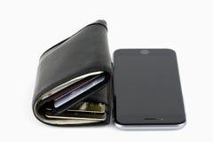 Smartphone o portafoglio Fotografia Stock Libera da Diritti