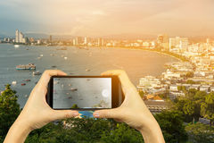 πάρτε τη φωτογραφία με το smartphone Σημείο άποψης Pattaya, Chonburi, Thaila Στοκ Εικόνες