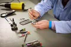 Smartphone-reparatie Stock Fotografie