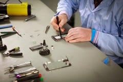 Smartphone-reparatie Royalty-vrije Stock Foto