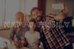 Smartphone Sałatka szczęśliwa rodzina Selfie dinner obrazy royalty free