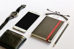 Smartphone-spot omhoog voor presentatie op modern bureau Royalty-vrije Stock Foto