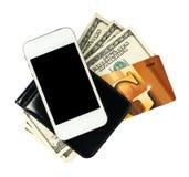 Smartphone trovandosi sulla borsa con le banconote degli Stati Uniti Immagini Stock Libere da Diritti