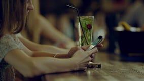 smartphone używać kobiety zdjęcie wideo