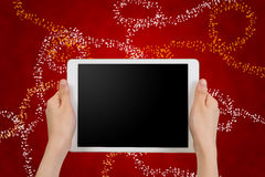 Smartphone umano della tenuta della mano, compressa, telefono cellulare con il ghiaione in bianco Fotografia Stock