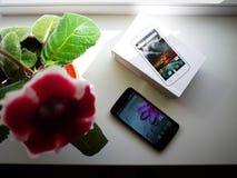 Smartphone-vertoning van verschillende grootte Diverse grootte van mobiele telefoonvertoningen wordt voorgesteld details stock afbeelding
