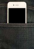 Smartphone w kieszeni cajgi Obrazy Stock