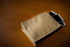 Smartphone w torbie Obrazy Stock