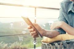 Smartphones a conectar ao Internet imagens de stock royalty free