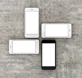Smartphonesgold, stieg, Silber und Schwarzes mit leerem Bildschirm Stockfoto