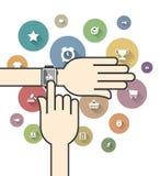 Smartwatch avec les icônes colorées de commerce électronique Photographie stock libre de droits