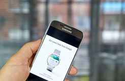 Smartwatch do desgaste de Google Android Foto de Stock Royalty Free
