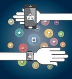 Smartwatch y teléfono elegante con los iconos Imagenes de archivo