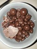 Smaskig choklad fotografering för bildbyråer