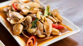 Smaskig kryddig uppståndelse Fried Shellfish royaltyfria foton