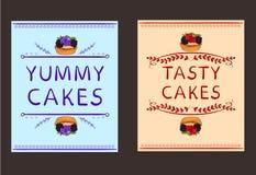 Smaskiga ord för ` för kaka` och för ` smakliga kakamed hand drog beståndsdelar och den hand drog muffin VEKTORkaraktärsteckninga Royaltyfri Fotografi