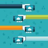 SMAU 2010 - Microsoft si apanna la computazione Mani che tengono i telefoni con l'illustrazione di vettore dell'icona della nuvol Immagine Stock Libera da Diritti