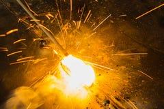 "SMAW †""保护了金属电弧焊接和焊接火焰 免版税库存图片"