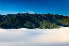 Smazzi la montagna della fitta della pentola o di Phan Xi di si il più alta montagna nell'Indocina a Sapa Fotografia Stock Libera da Diritti