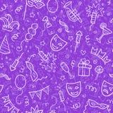 Símbolos brancos do carnaval no estilo da garatuja na violeta Fotos de Stock