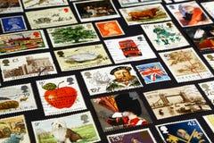 Símbolos británicos en sellos Imagen de archivo libre de regalías
