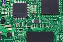 Smd skrivev ut brädet för den elektroniska strömkretsen med mikrokontrolleren Royaltyfri Bild