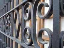 Smeedijzer over venster Royalty-vrije Stock Foto's