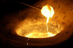 Smelten van metaal stock foto's