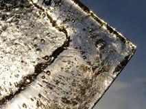 Smeltend transparant ijs royalty-vrije stock afbeeldingen